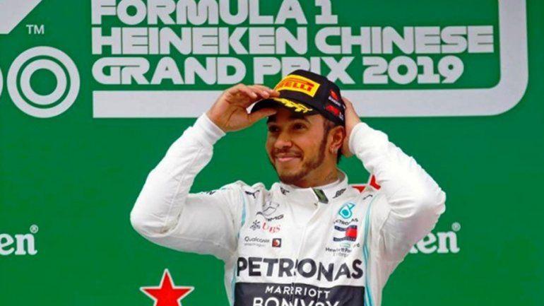 Hamilton se consagró en China en la carrera número mil de la Fórmula 1