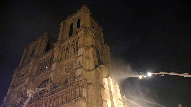 ¿Porqué se desató el incendio de Notre Dame?, Macrom prometió su reconstrucción