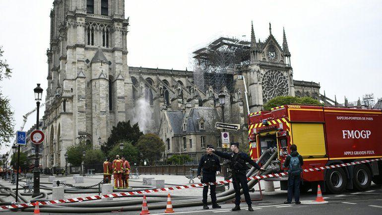 Notre Dame destruida