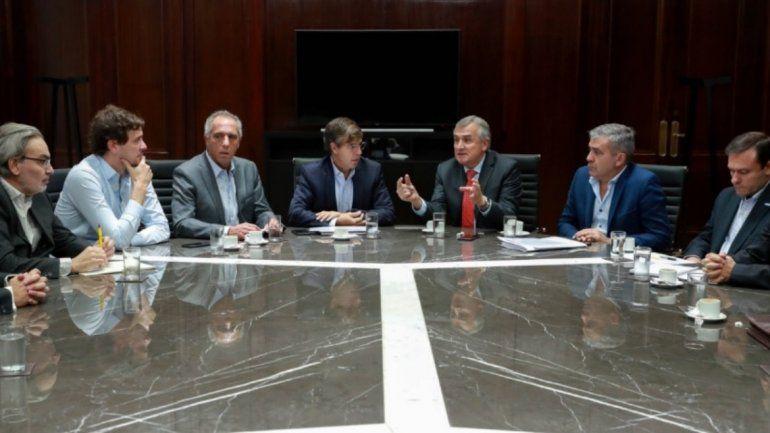Morales junto a azucareros y funcionarios nacionales para evaluar