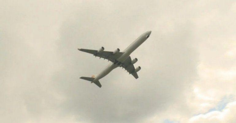 Pelea en el aire: Dos aviones estuvieron a punto de chocar y el piloto estalló en furia