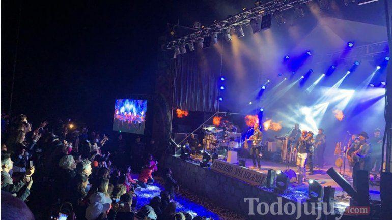 Los Tekis brillaron en el escenario que ahora lleva su nombre
