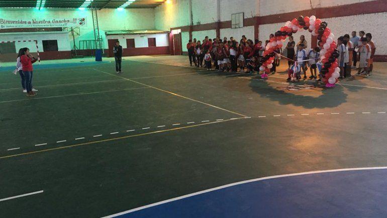Reinauguraron la cancha de handball del Club Lavalle