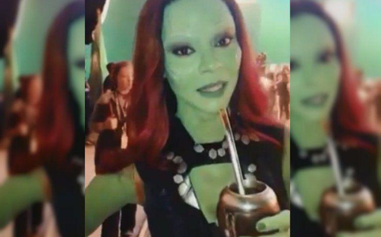 Gamora de los Avengers toma mate y enloqueció a los fans argentinos