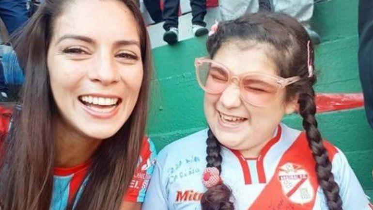Una madre le relató a su hija ciega el gol del ascenso de Arsenal de Sarandí