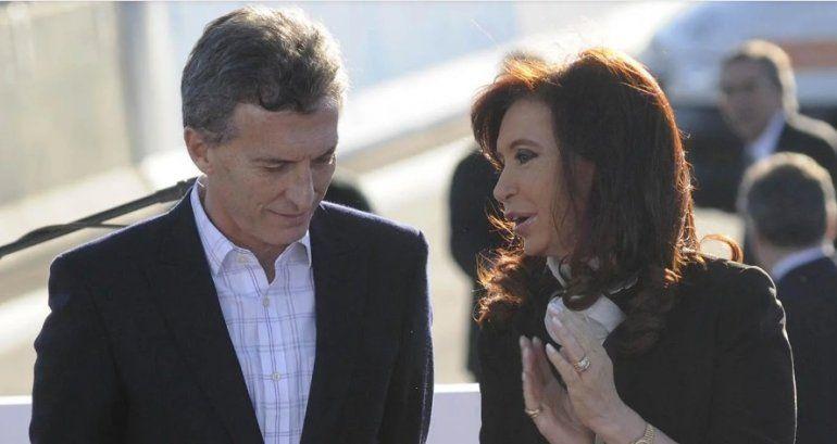 Macri y Cristina Kirchner en la inauguración de la Autopista Illia en 2014. Fuente: Dyn