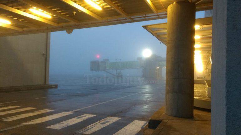 Vuelos demorados en todo el país por una intensa niebla
