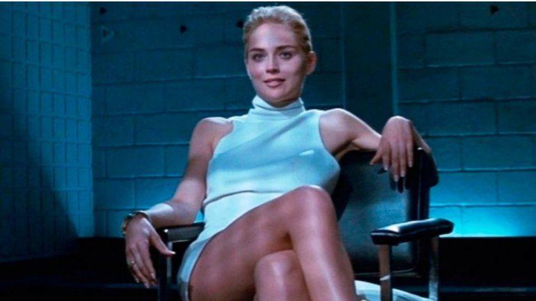 Sharon Stone posó en topless y recreó la pose de Bajos instintos