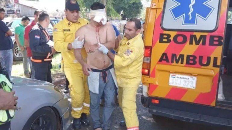 Un hombre se arrancó los ojos e intentó mutilarse los genitales luego de pelearse con su novia