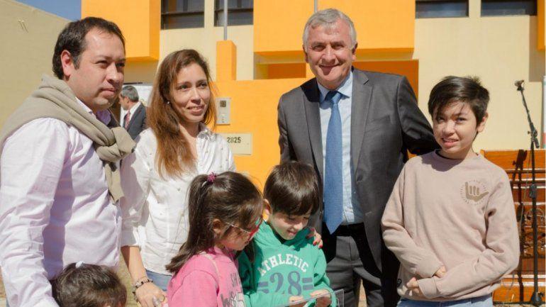 Entregaron 100 viviendas para familias de Palpalá