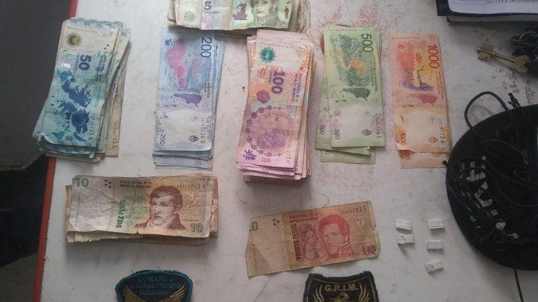Dos jóvenes detenidos, con droga y una importante cantidad de dinero en efectivo