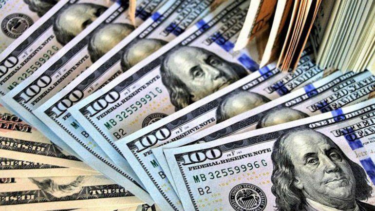 El dólar abrió por encima de los $43 en el final de la semana
