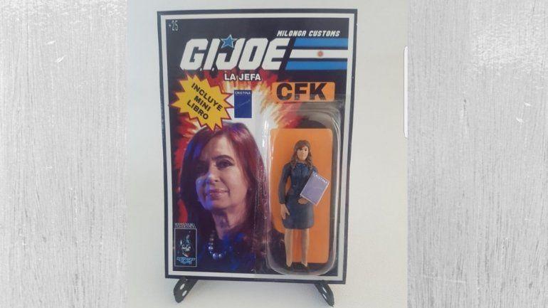 De colección: CFK tiene una nueva muñeca con minilibro incluido