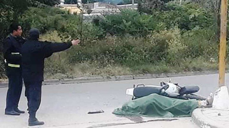 El Carmen: un hombre cayó de la moto y murió