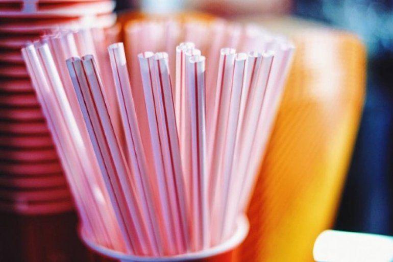 Para cuidar el ambiente, prohíben el uso de sorbetes de plástico en Buenos Aires