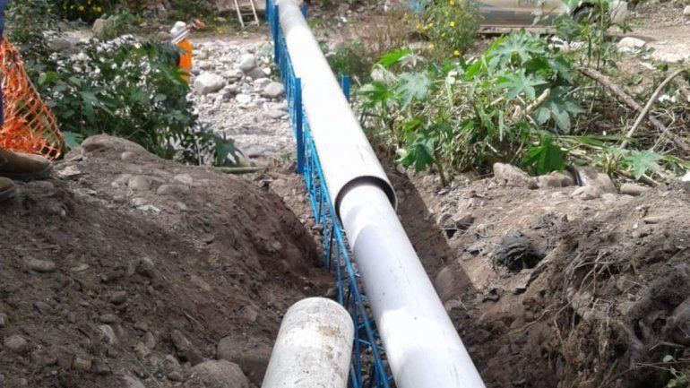 Concluyeron trabajo del nuevo puente canal y red cloacal en Bº Atalaya