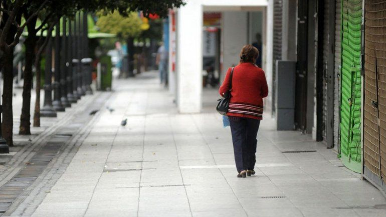 Por el feriado y el paro en el transporte, el sábado en Tucumán no abrirán los comercios