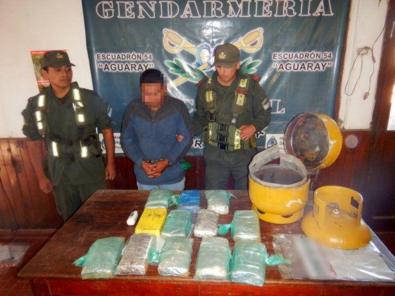 Encuentran más de 12 kilos de cocaína ocultos en el interior de una garrafa