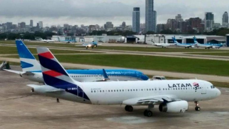 Por el paro nacional, Aerolíneas Argentinas y Latam cancelaron sus vuelos