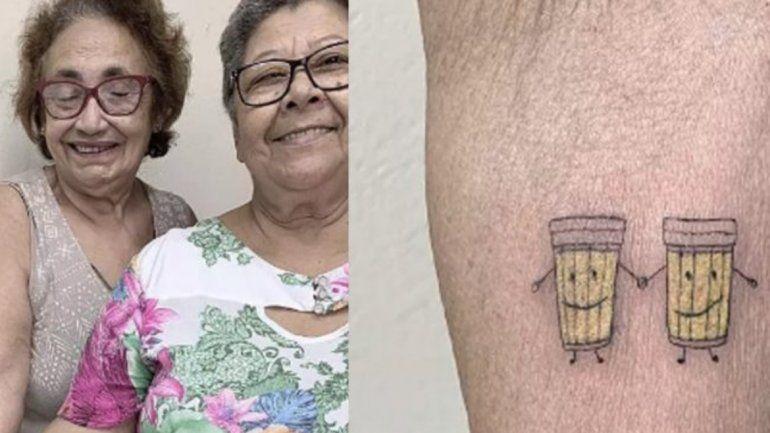 Abuelitas cerveceras: para festejar 30 años de amistad se tatuaron dos vasos de birra