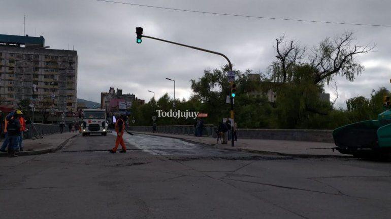 Hoy está cortado el Puente Lavalle por trabajos de repavimentación