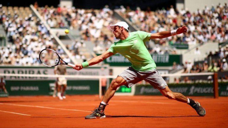 Mayer no pudo dar el batacazo y perdió con Roger Federer