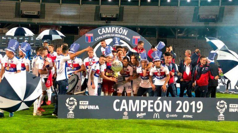 Tigre le ganó a Boca y es campeón de la Copa Superliga
