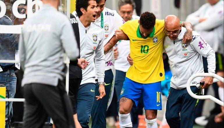 Neymar lesionado: la impactante foto que el brasileño mostró de su tobillo