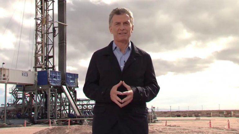 Mauricio Macri celebró la primera exportación de gas de Vaca Muerta