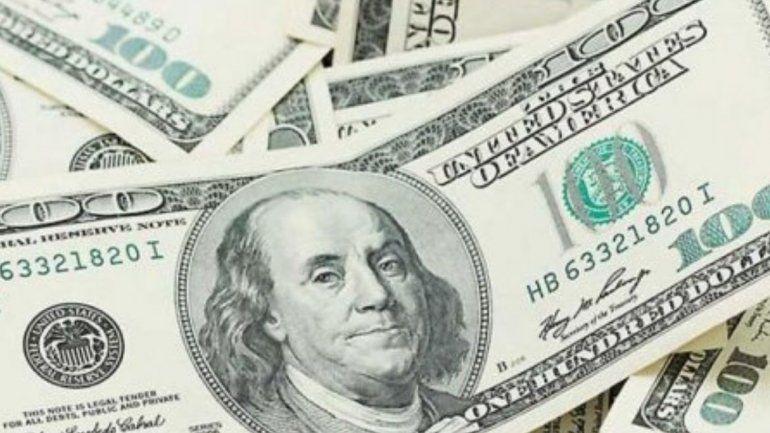 El dólar hoy cotiza entre los $45,70 y los $46,30 en los bancos de la city porteña