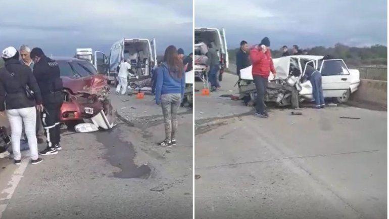 Dos autos chocaron de frente y cinco personas resultaron heridas