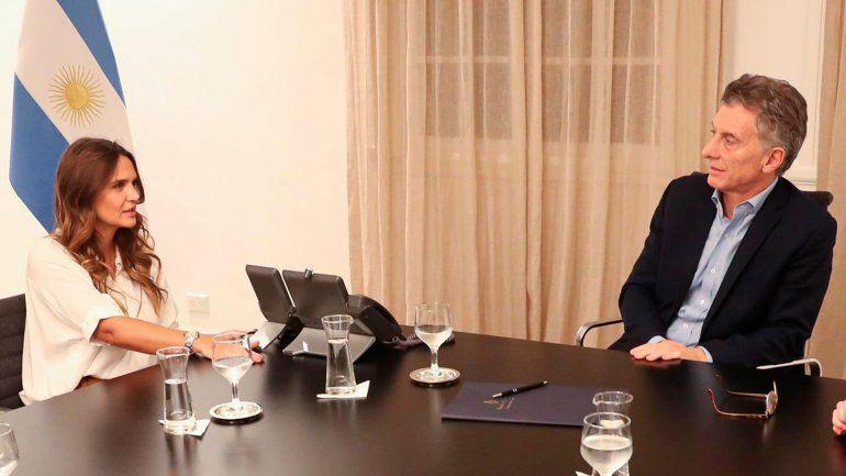 Amalia Granata: Macri me dijo que era pañuelo celeste, como yo