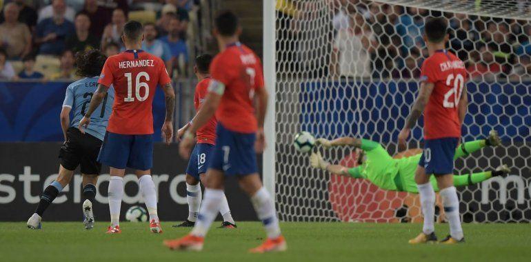 Uruguay se llevó el duelo ante Chile y quedó primero del grupo