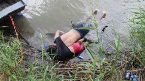 La foto que conmueve al mundo: inmigrantes murieron intentando entrar a EEUU