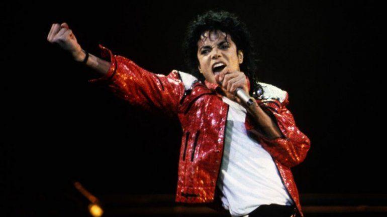 A diez años de su muerte, Michael Jackson sigue siendo foco de polémicas