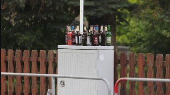 Vecinos compraron toda la cerveza para sabotear festejo neonazi