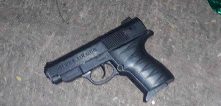 Detenidos por portar un arma de juguete en el parque Xibi Xibi