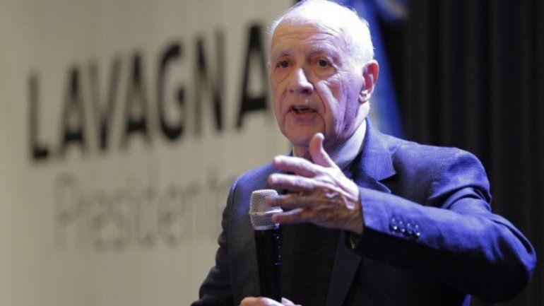 Lavagna dijo que suspende la campaña temporalmente por la situación económica