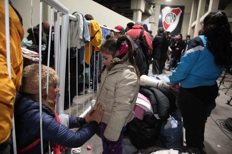River albergó a más de 100 personas en situación de calle con abrigo y comida