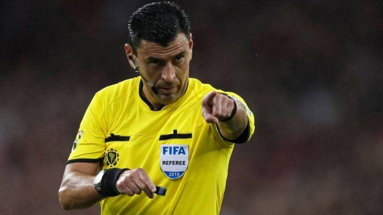 Con el VAR entre sospechas, la Conmebol designó a los árbitros para la final de la Copa América