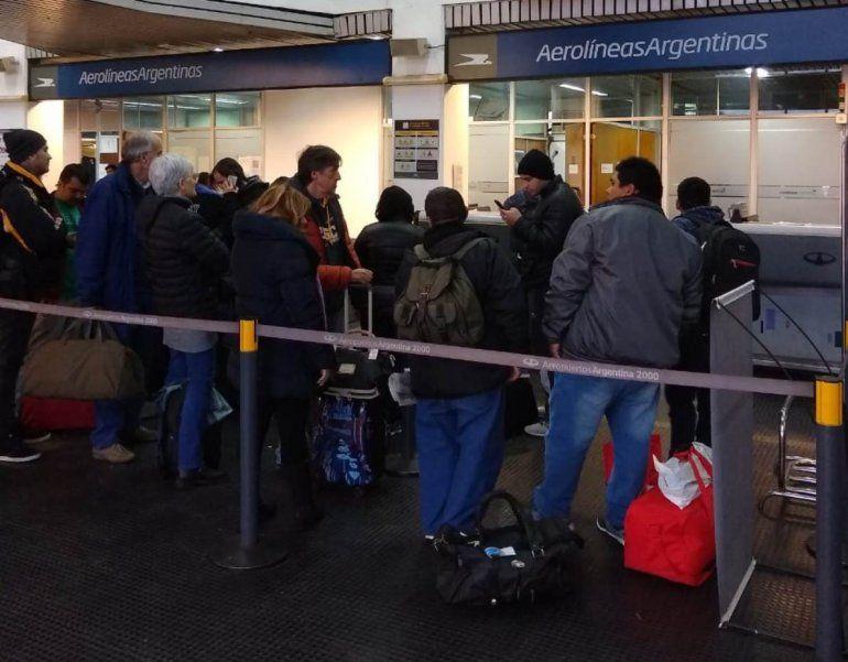 Cancelaron el vuelo de Jujuy a Buenos Aires y otros fueron reprogramados