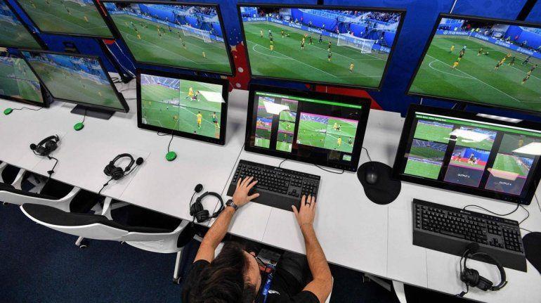 La AFA volvió a reclamar a la Conmebol para que revele los audios entre el árbitro y el VAR