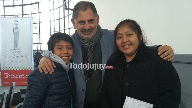 Una gran noticia: Alejandro podrá viajar a Buenos Aires para buscar su prótesis