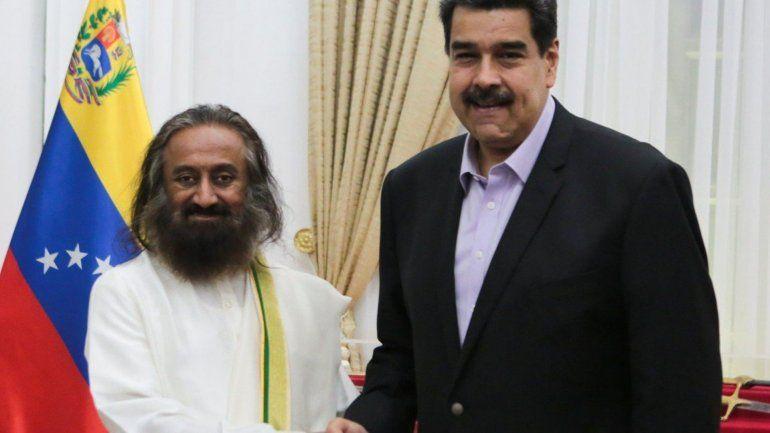 Maduro convocó al líder del Arte de Vivir para dialogar con la oposición