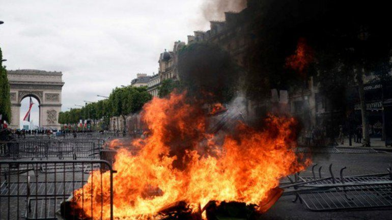 Francia celebró el Día de la Independencia con protestas de los chalecos amarillos