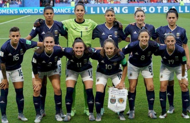 Escándalo en la Selección femenina de fútbol: piden la salida del cuerpo técnico