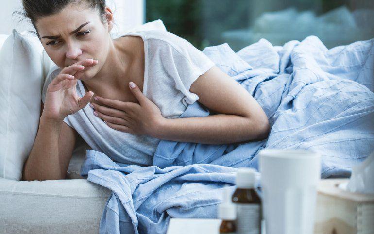 Tos nocturna: sencillos trucos para calmar esa molestia que no te deja dormir