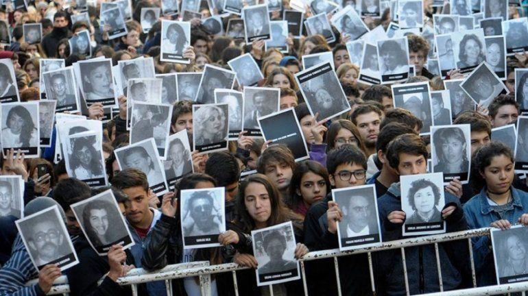 Decretaron duelo nacional para mañana por los 25 años del atentado a la AMIA