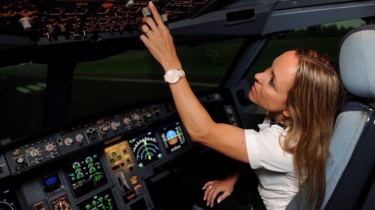 Solo 22 mujeres pilotean aviones comerciales en Argentina