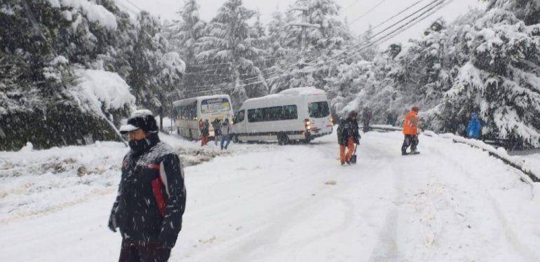 En Bariloche pronostican más nevadas durante todo el día
